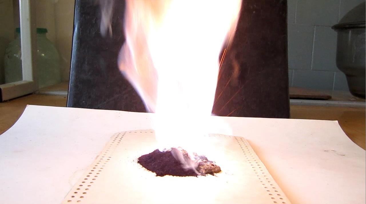 Вулкан Шееле (перманганат калия и глицерин)