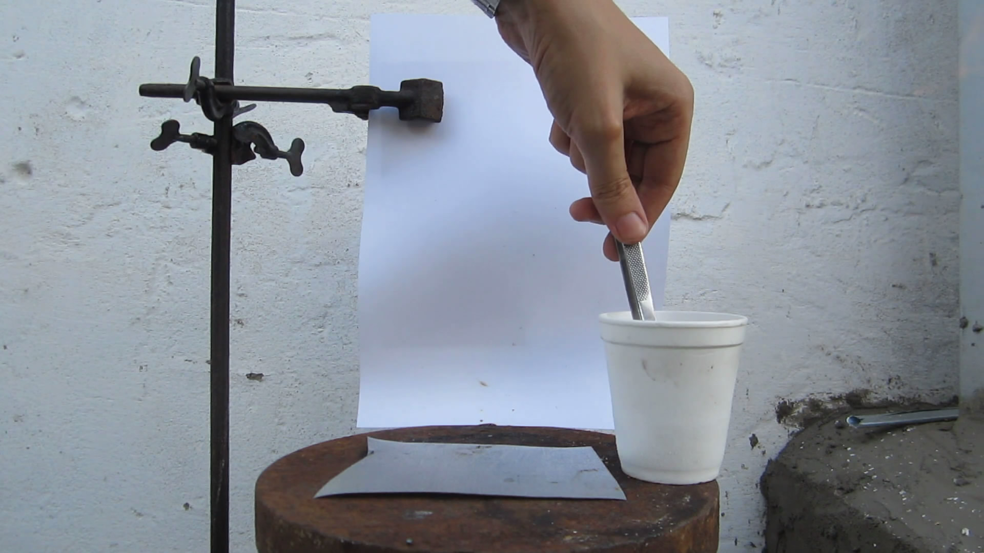 Реактивный сухарь (горение сухаря, пропитанного жидким кислородом). Experiments with liquid oxygen