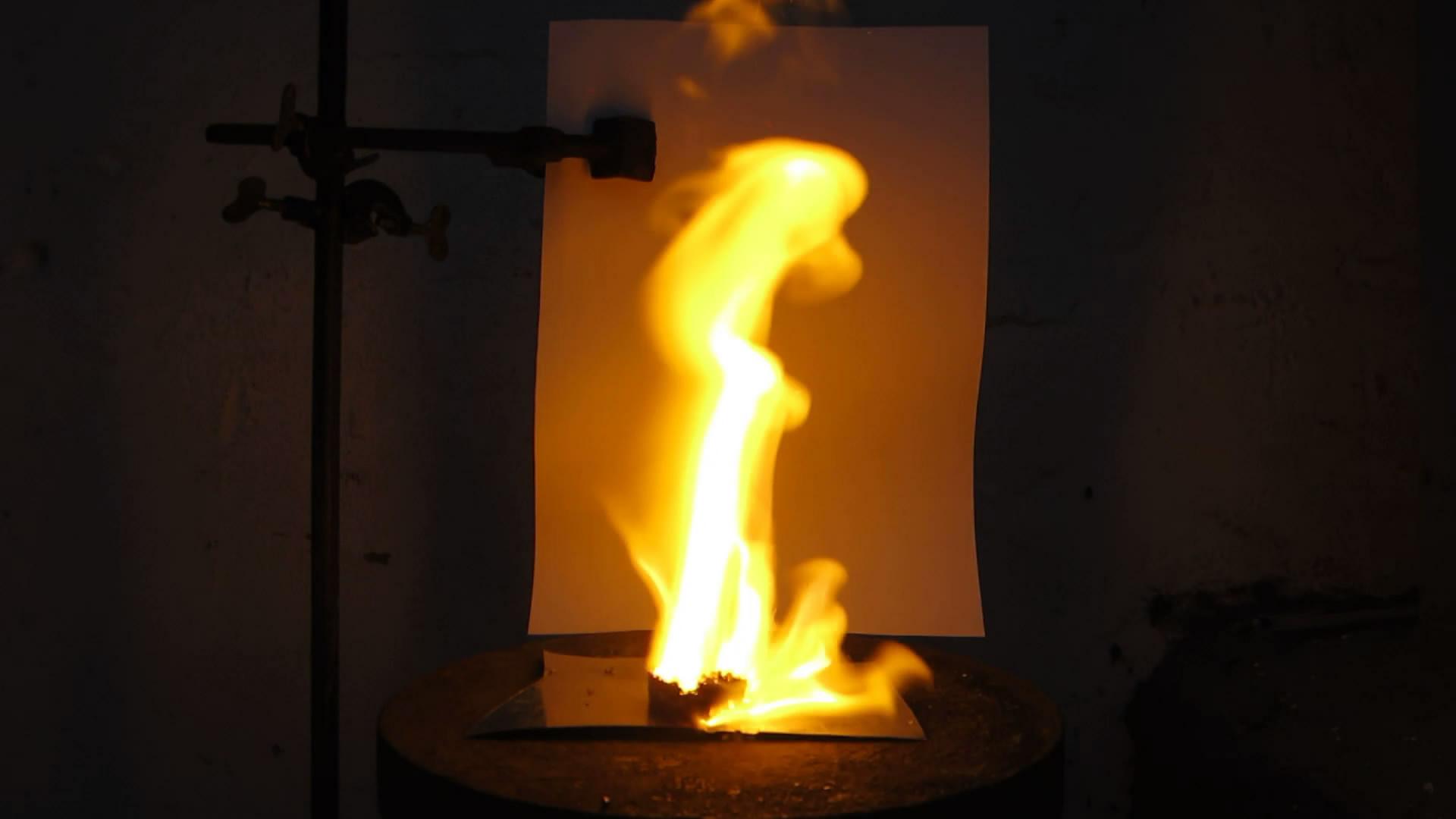 Реактивный сухарь (горение сухаря, пропитанного жидким кислородом)