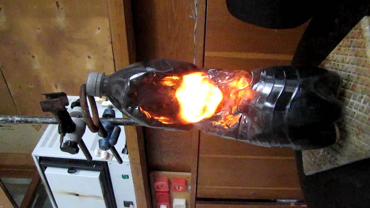 Вспышка смеси ацетилена и воздуха (двухлитровая бутылка)