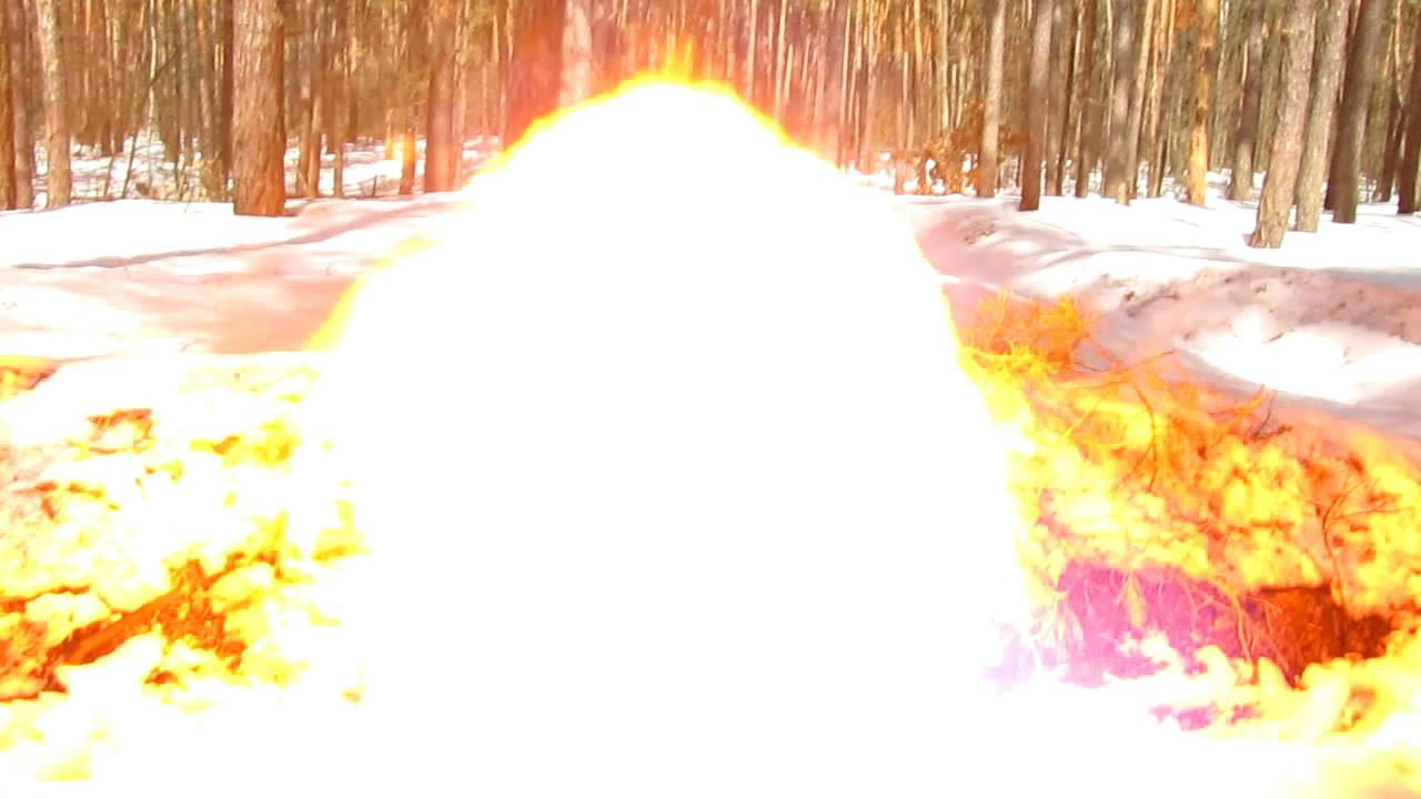 Взрыв бутылки с ацетиленом (1.25 л)