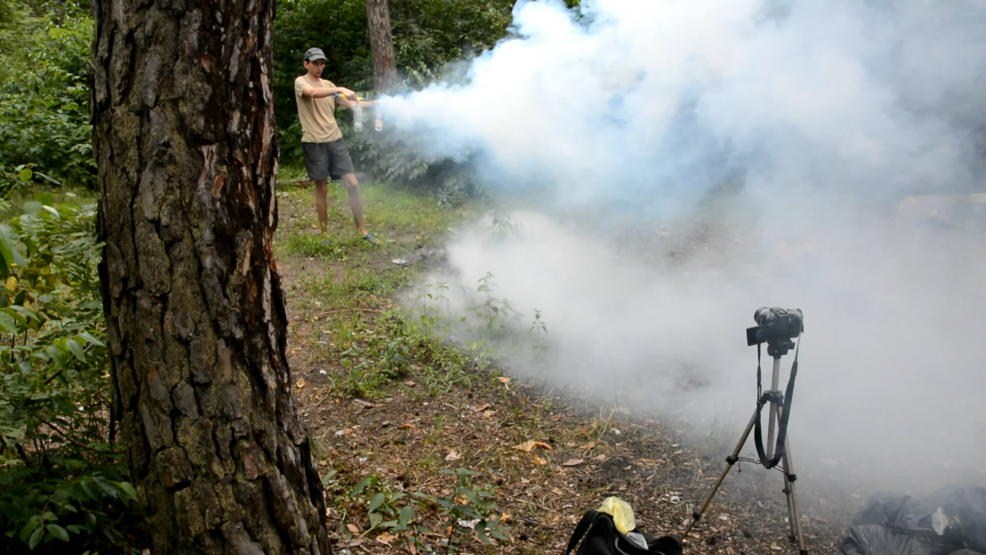 Соляная кислота и аммиак - образование дыма при распылении аэрозолей