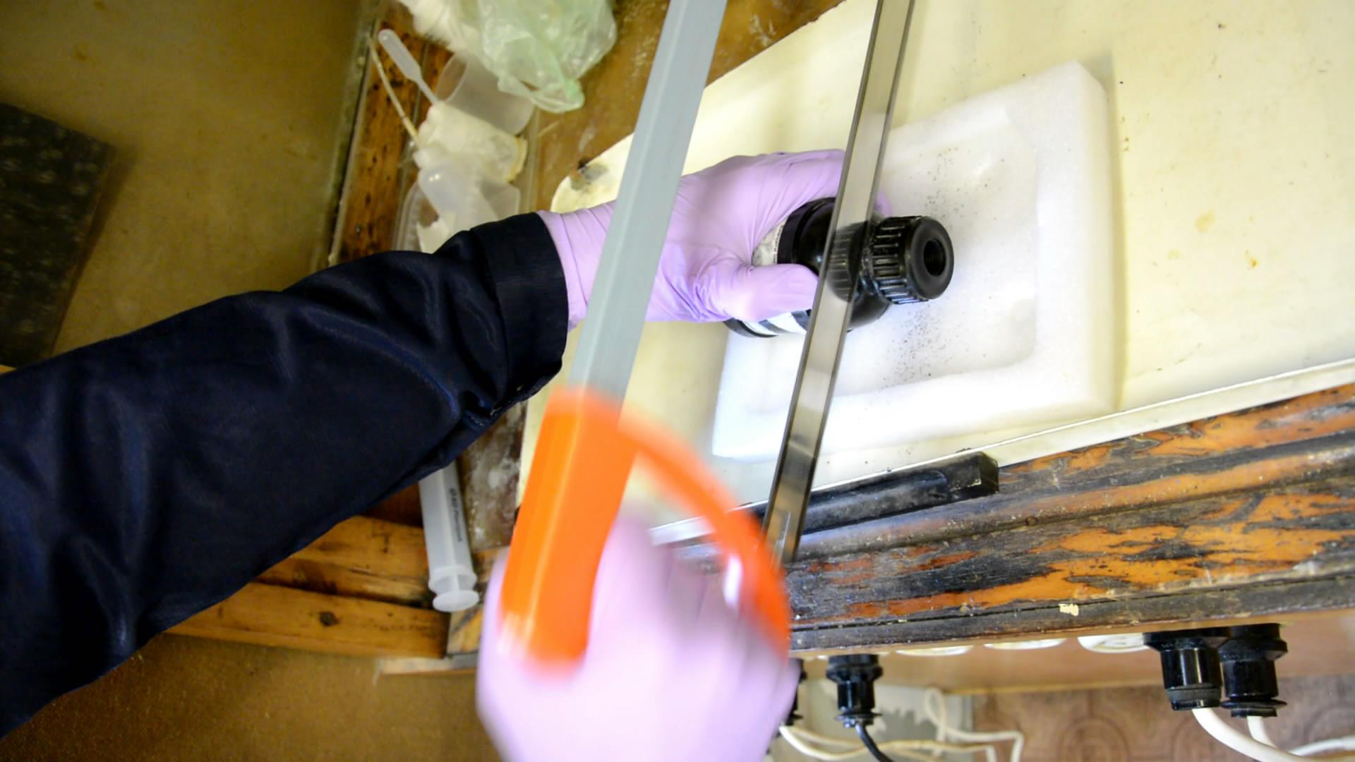 Вскрытие корпуса гранаты (извлечение отравляющих веществ)