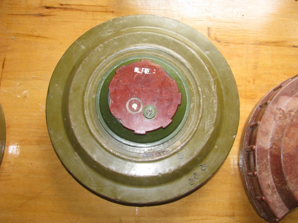 Противотанковые мины ТМ-62 и ТМ-57