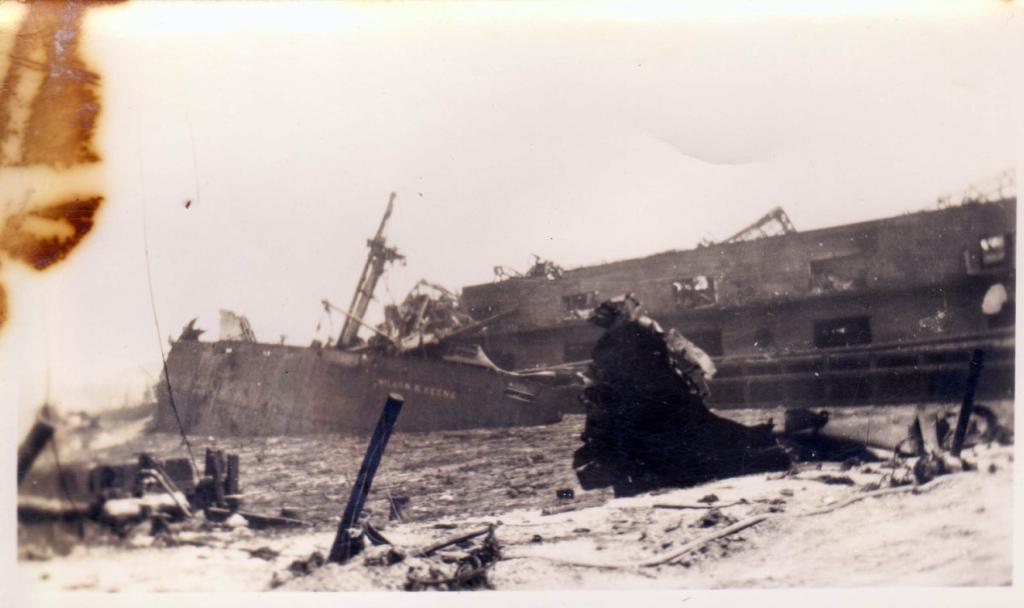 Порт Техас-Сити после взрыва корабля с аммиачной селитрой (на фото только небольшая доля разрушений)