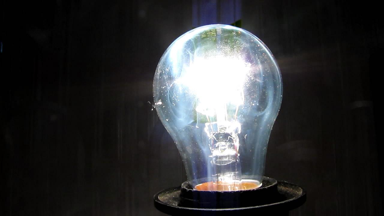 Лампа накаливания и турбо-зажигалка. Incandescent light bulb and turbo lighter