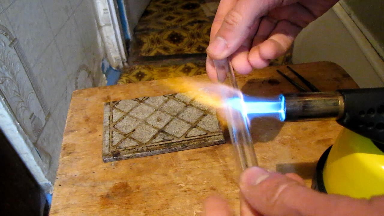 Ампула с гексаном (запаивание). Ampoule with hexane (ampoule sealing)