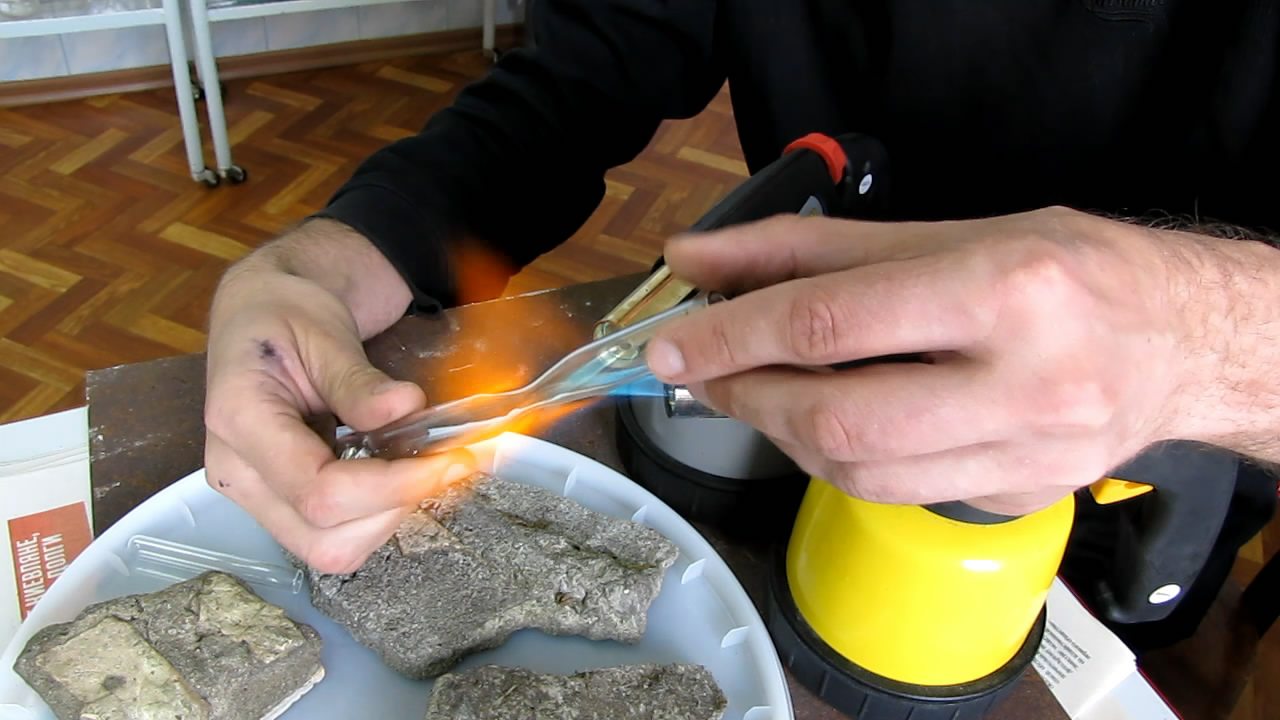 Ампула со ртутью (запаивание). Ampoule with metallic mercury (ampoule sealing)