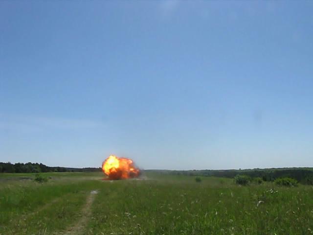 Передача детонации на расстоянии (сквозь воздушный зазор). Detonation transfer through air gap