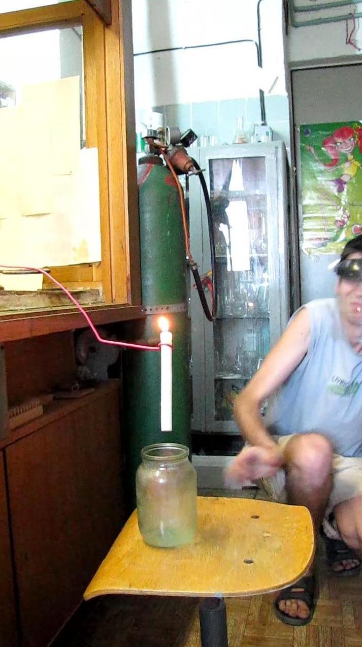 Горение водорода - банка объемом 1 л