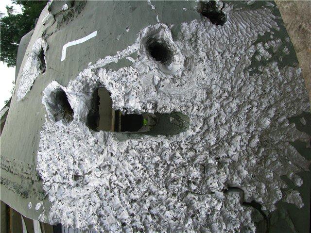 Башня танка после попадания кумулятивных снарядов