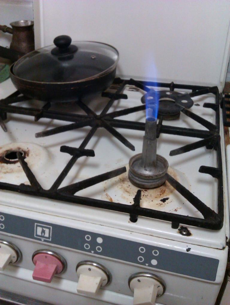 Лабораторная горелка из газовой плиты