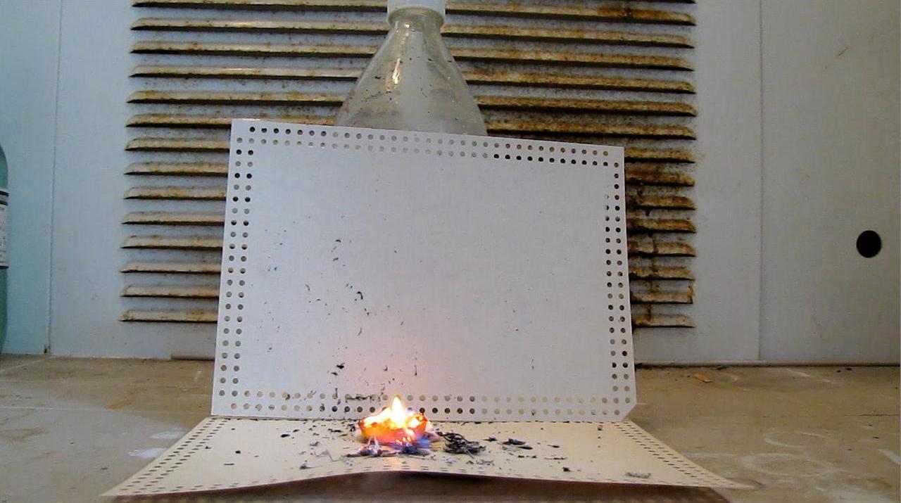 Реакция магния и тефлона