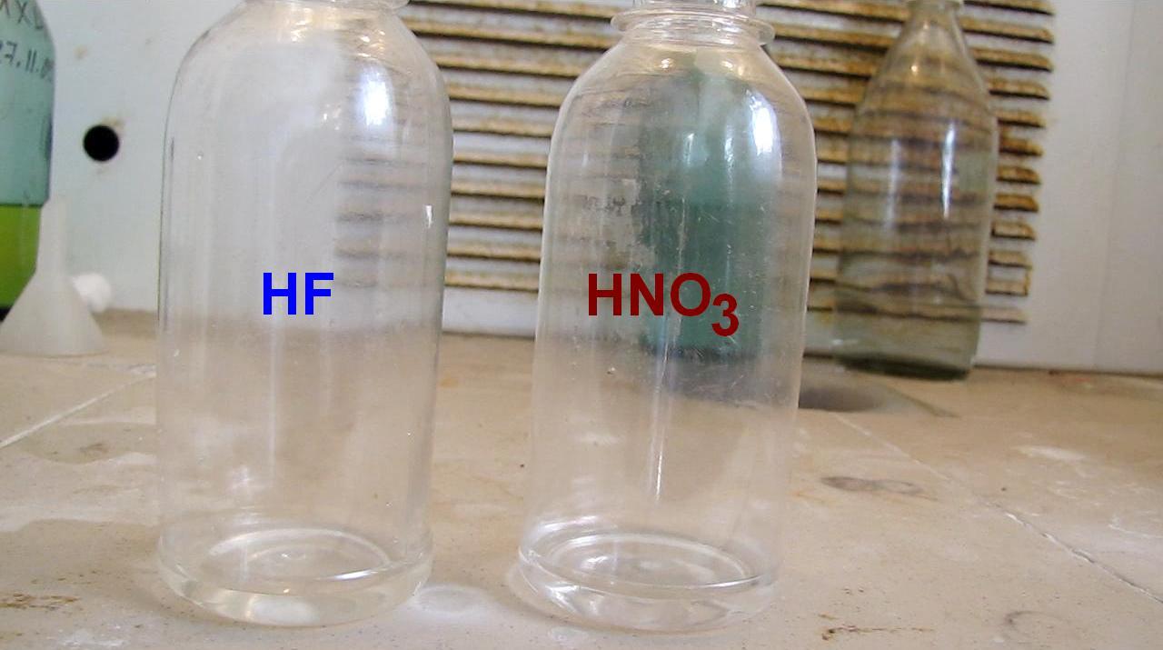 Растворение кремния в смеси плавиковой и азотной кислот