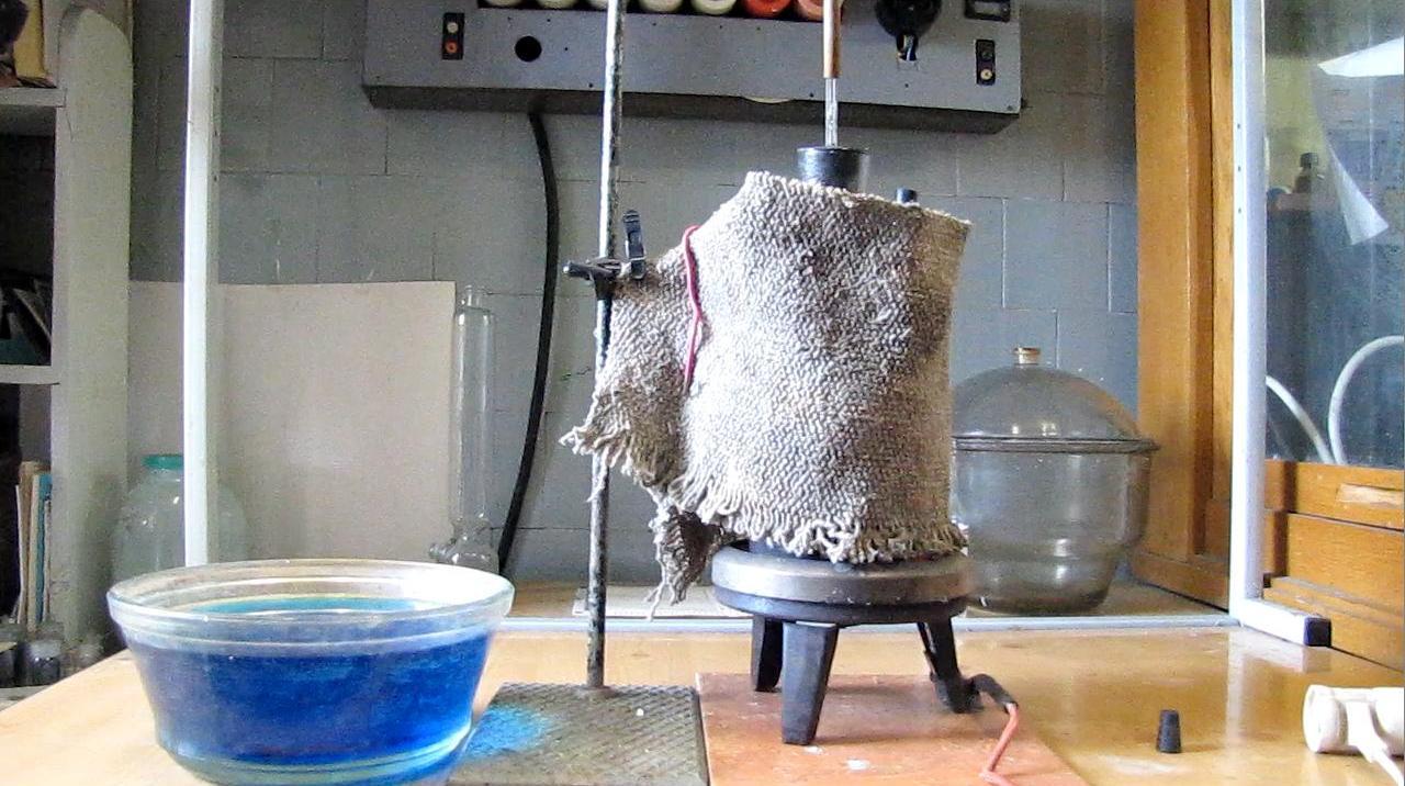 Колба-ракета (неудавшийся паровой фонтан)