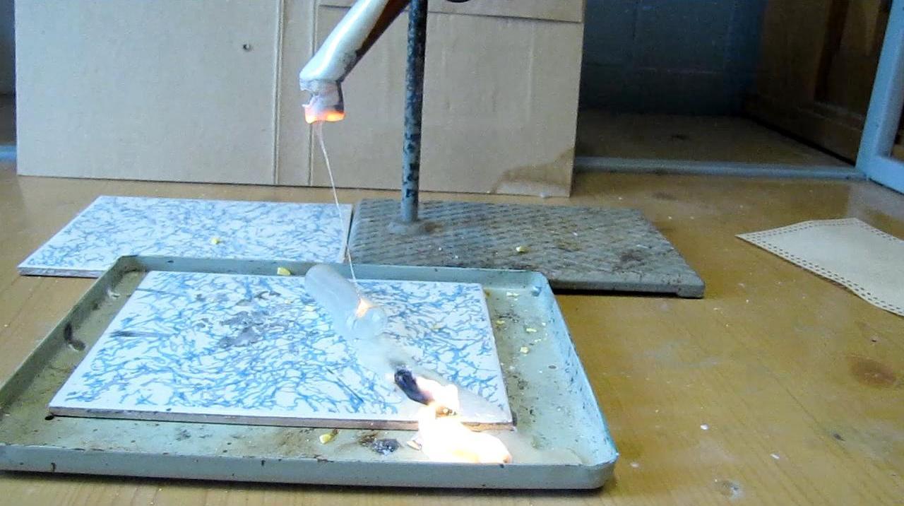 Горение серы в расплаве калиевой селитры