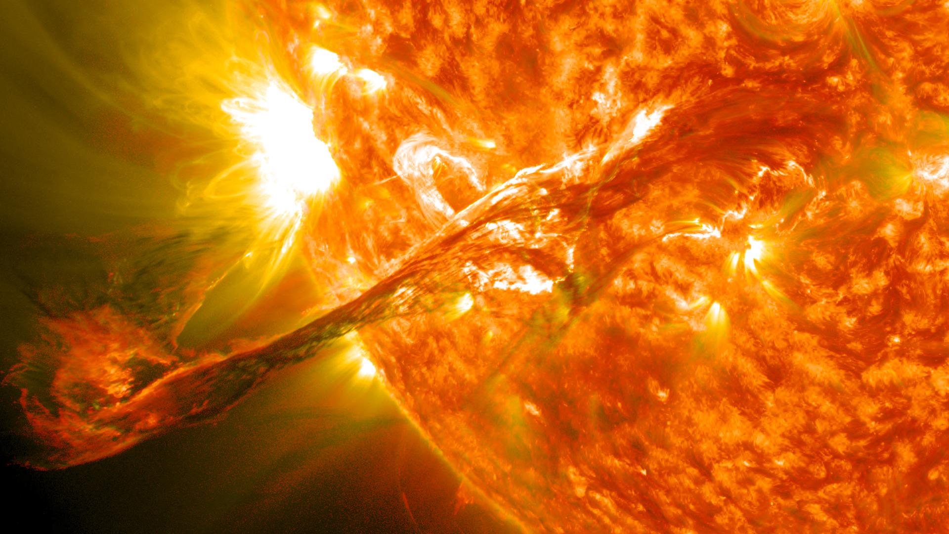 Выброс плазмы из солнечной короны (31 августа 2012)