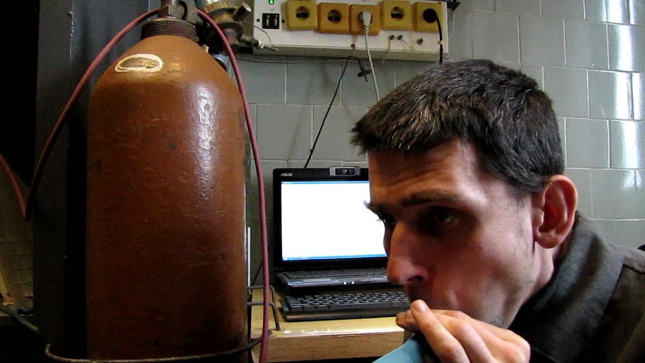Изменение голоса под действием водорода и гелия