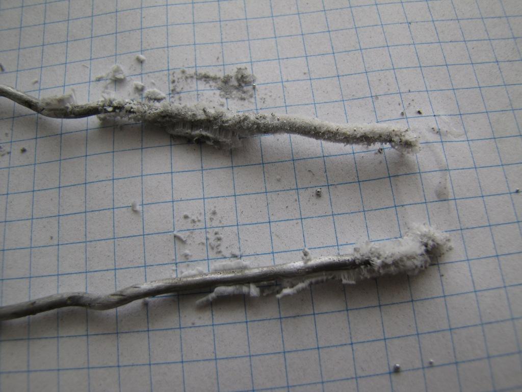 Реакция алюминия с воздухом (при комнатной температуре)