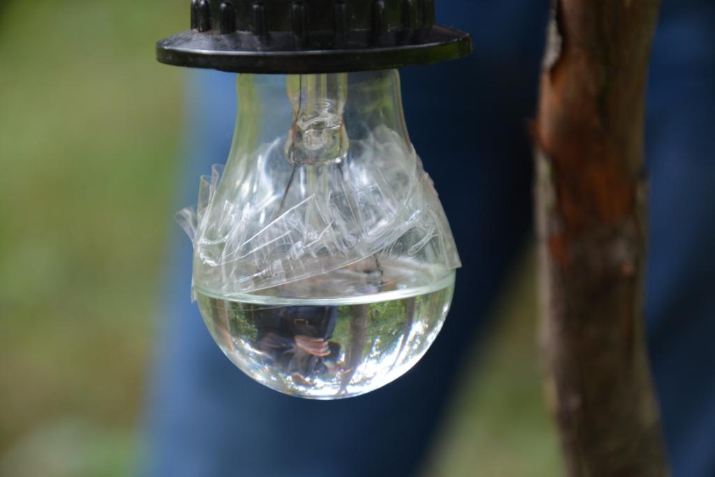 Электрическая лампа и бензол - подготовка
