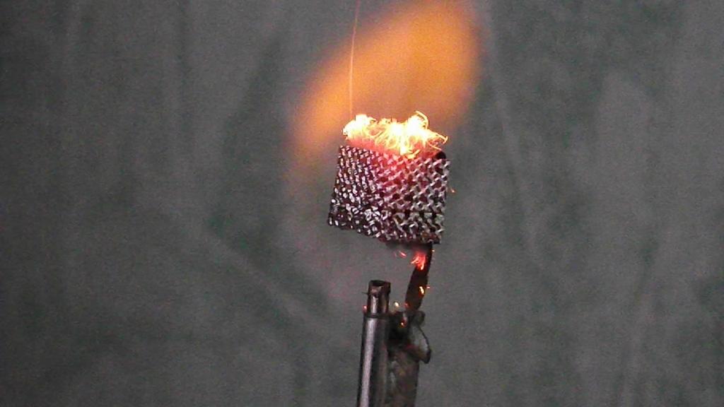 Каталитическое горение водорода на платине (огниво Деберейнера). The catalytic combustion of hydrogen over platinum (Döbereiner's lamp)