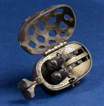 Зажигательные пистолеты (XVII-XIX век)