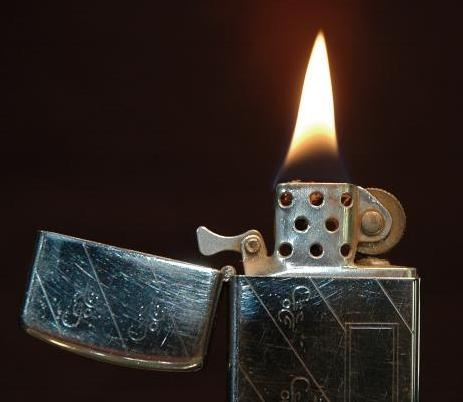 Бензиновая зажигалка начала 30-х годов XX века