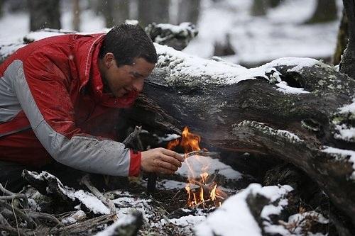 Беар Гриллс во время съемок сериала ''Выжить любой ценой / Ultimate Survival''