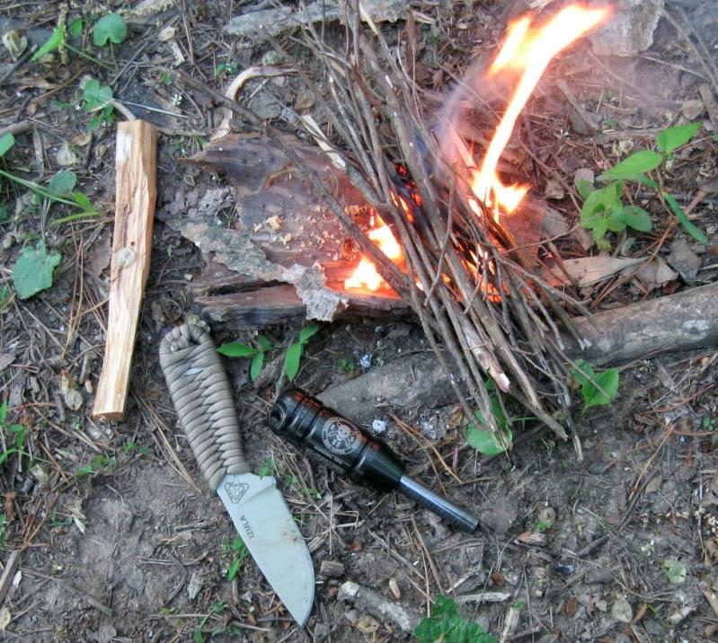 Брусок ферроцерия для разжигания огня в полевых условиях