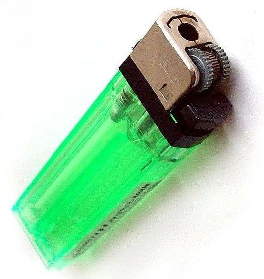 Одноразовая пластиковая зажигалка