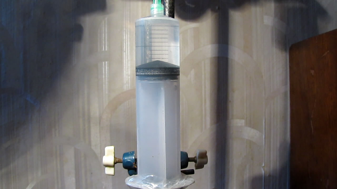 Кипение воды при комнатной температуре (в вакууме). Boiling of water at room temperature (in vacuum)