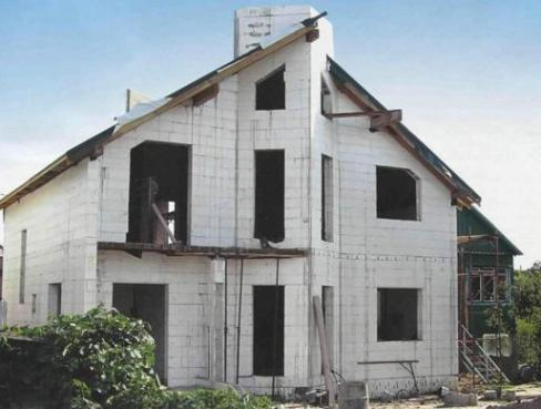 Дом, облицованный пенополистиролом