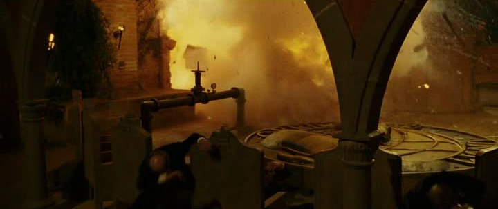 Взрыв нитроглицерина - фильм  Легенда о Зорро (2005)