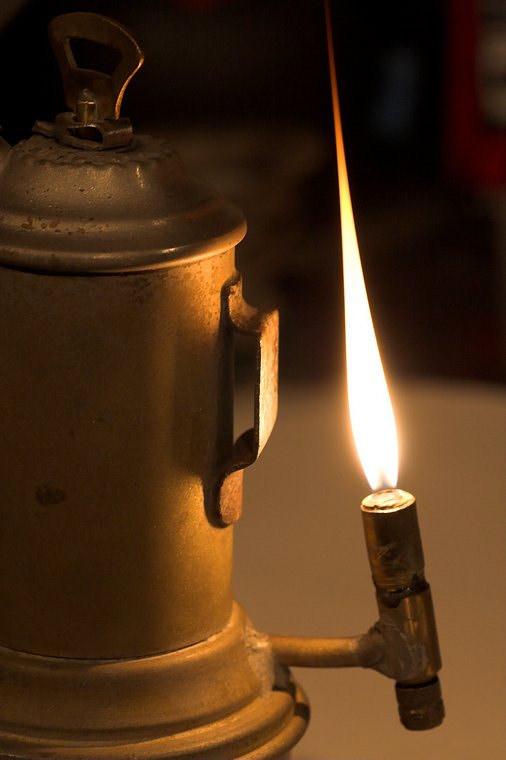 Ацетиленовая (карбидная) лампа