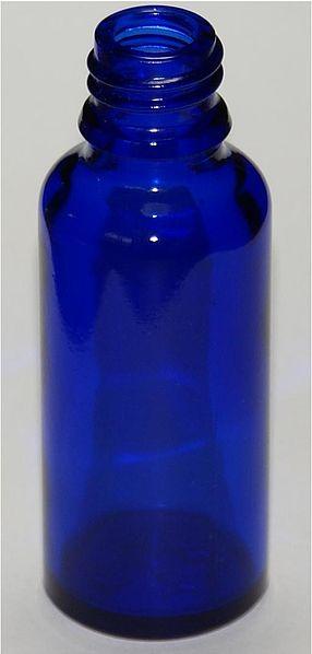 Стекло, окрашенное добавкой кобальта (кобальтовое стекло)