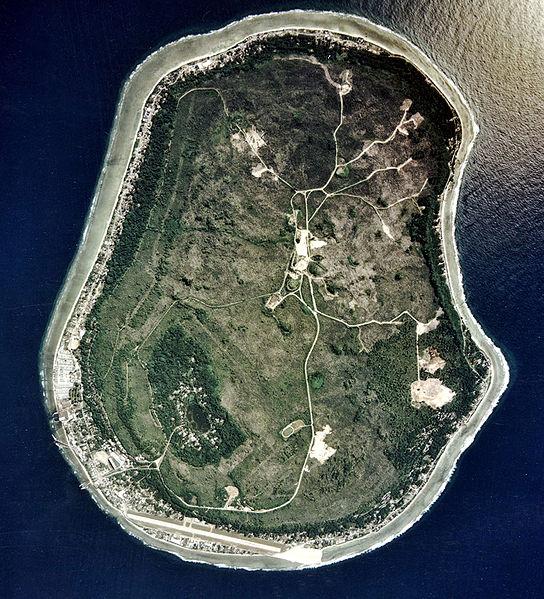 Остров Науру.  Спутниковый снимок (2002 г.)