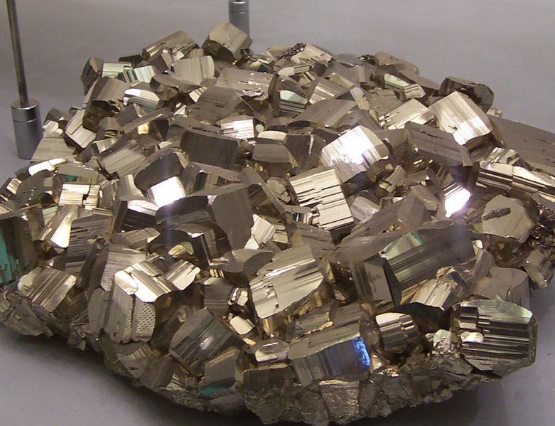 Пирит FeS2 (золото для дураков)