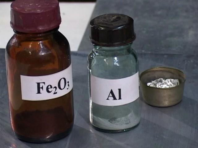 Реактивы: оксид железа (III) и алюминий (для приготовления термита)
