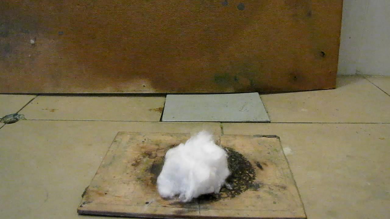 Самовоспламенение ваты, пропитанной раствором белого фосфора в гексане