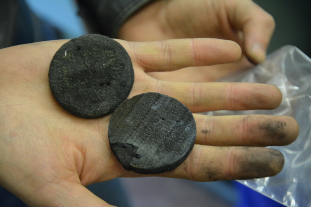 Углерод (материалы и изделия)