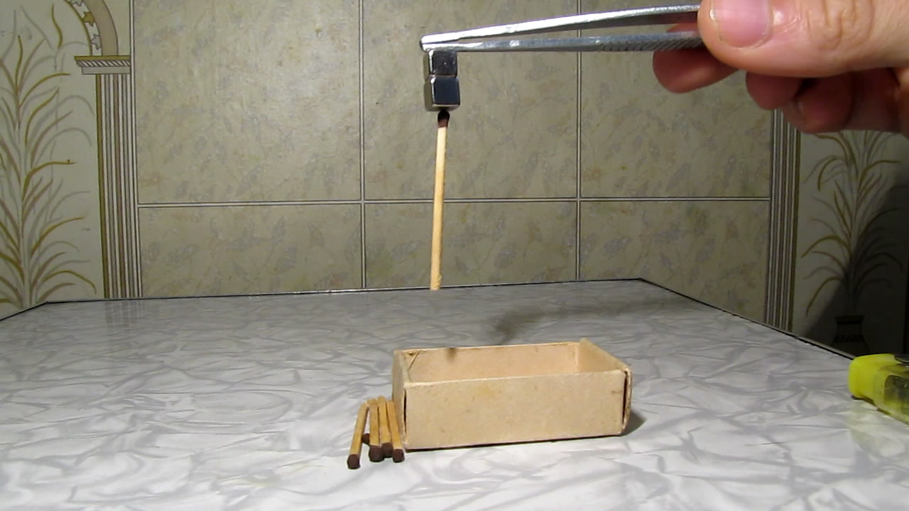 Спички и неодимовый магнит. Matches and neodymium magnet