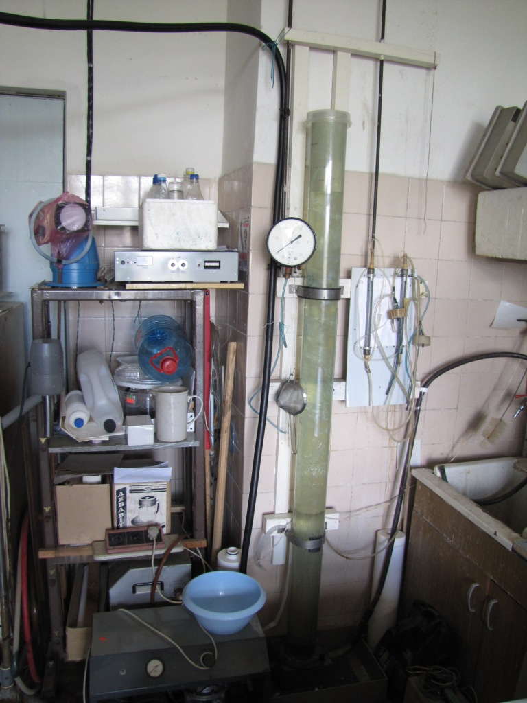 Колонна для получения гранулированных сорбентов