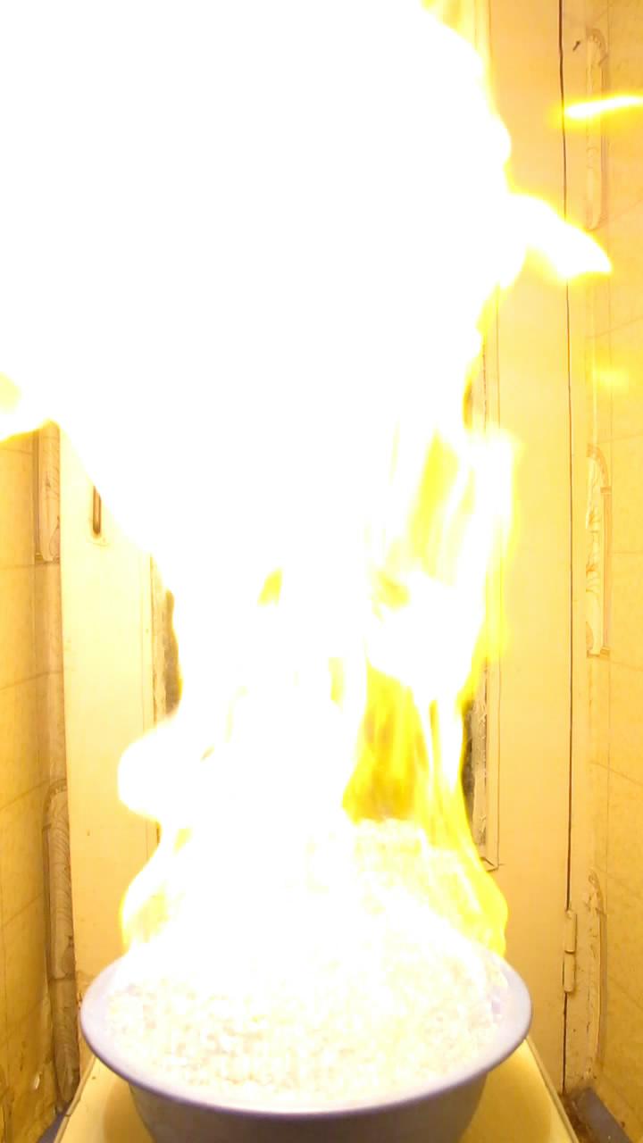 Горение пены с метаном