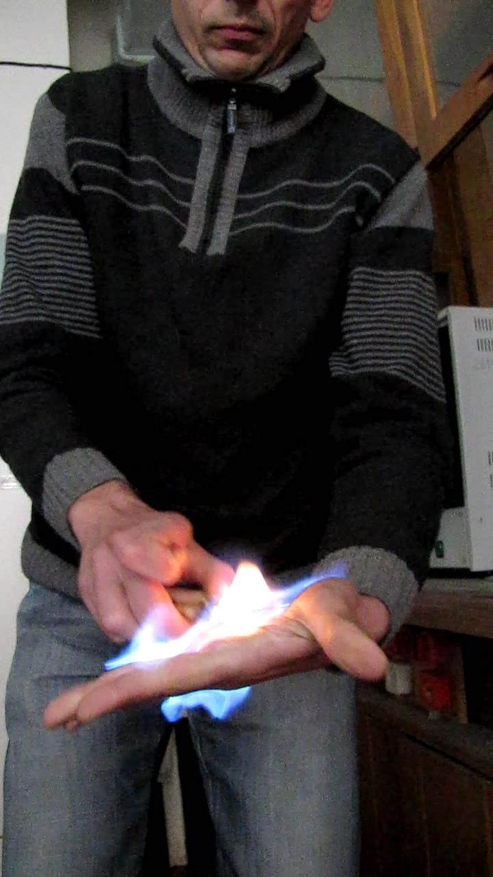 Огонь на ладони (жидкий бутан из баллончика)
