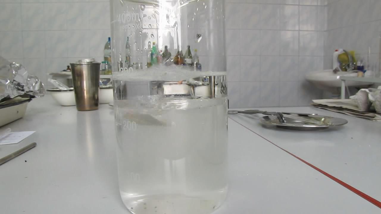 Натрий, гексан и вода. Sodium, hexane and water