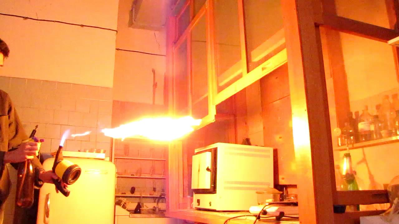 Модель огнемета (пульверизатор с бутилацетатом)