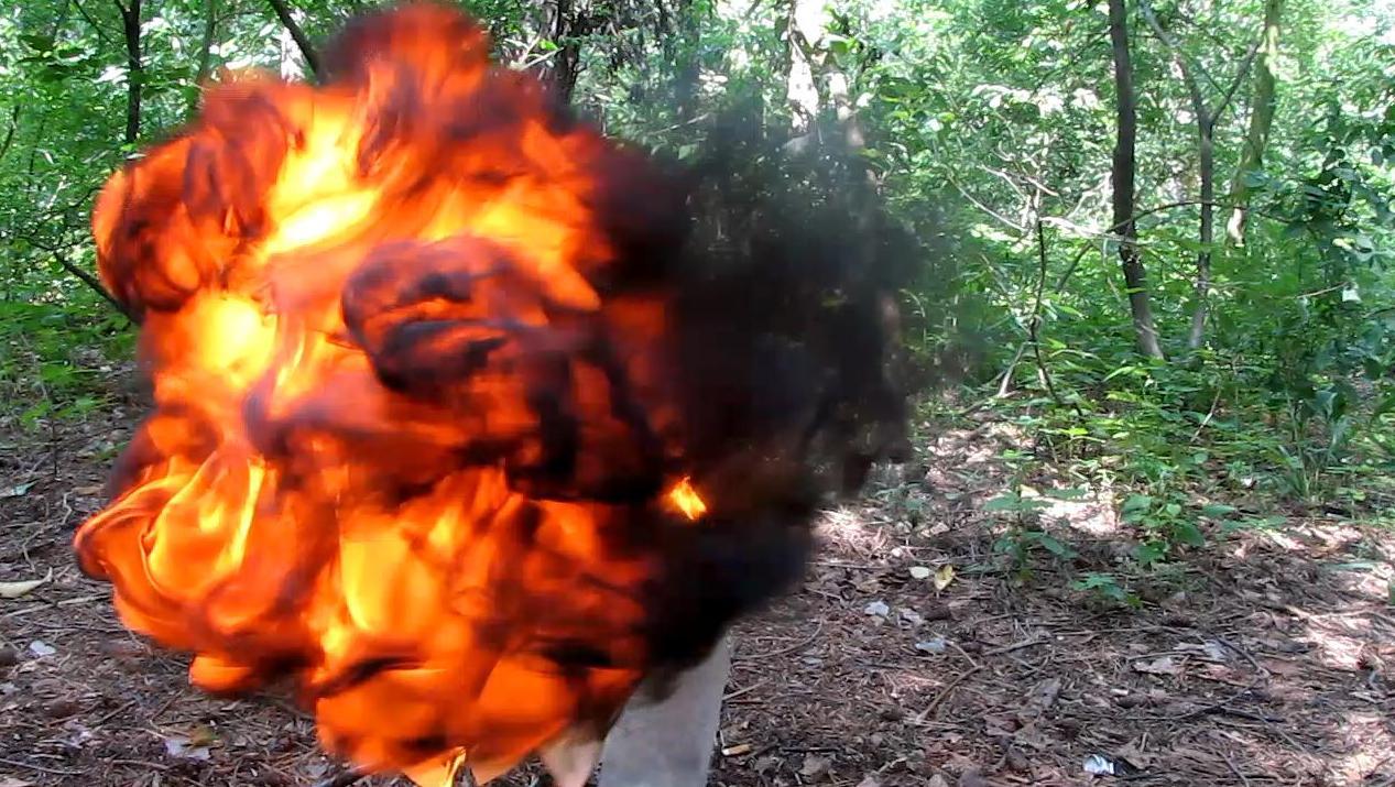 Взрыв шарика с ацетиленом