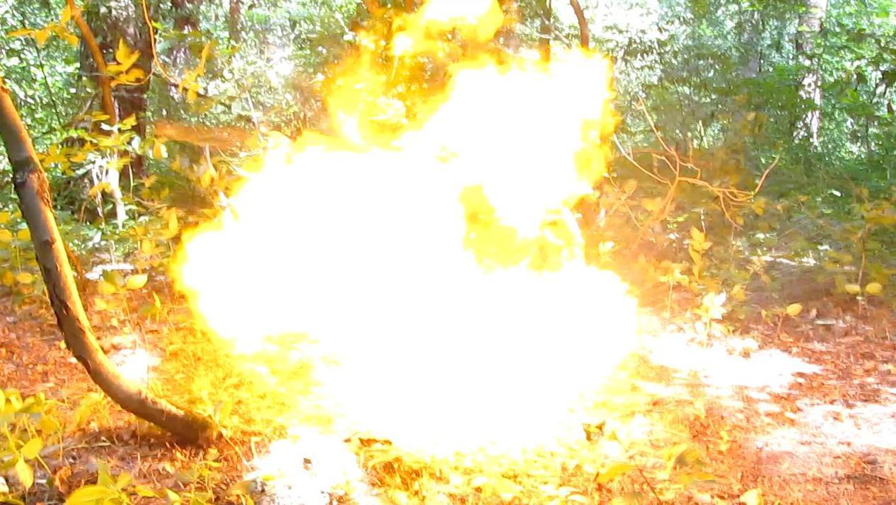 Взрыв ацетилена (пластиковая бутылка)