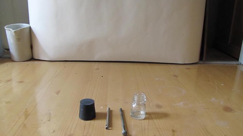 Как просверлить резиновую пробку?