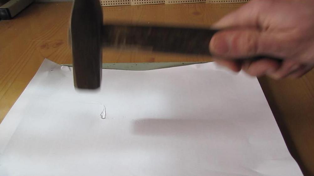 Батавские слезки (небьющееся стекло)
